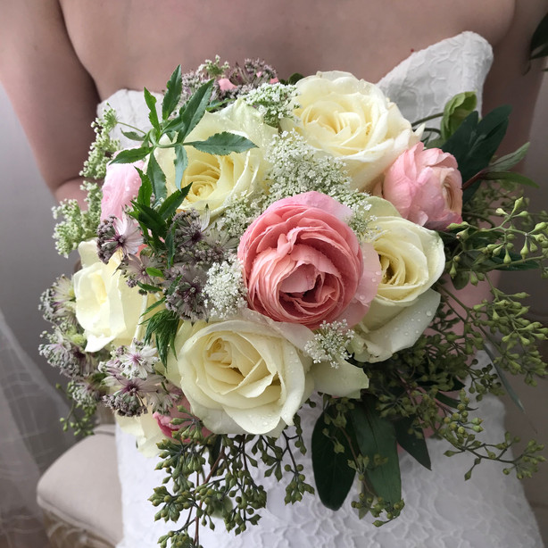 Roses & Ranunculus
