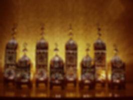 Lampen, Laternen, Lampinion, Beleuchtung, Windlichter, Standleuchte, Kerzenglas, Kerzenglasser, Tischlampe, Tischbeleuchtung, Wandleuchte, Deckenlampe, Kristallleuchte, Kronleuchter, LED, Strahler, Nachtlaempche, Mieten, Verleih, Vermietung, Deko, Dekor, Orientalische, Orientalisch, Orient, Marokkanische, Marrokanisch, Indisch, Indische, Piraten, Vintage, Hochzeit,