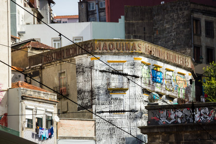 Ghostsign in Porto