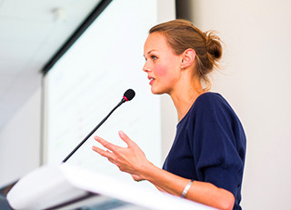 5 reasons why you should invite a professional speaker in your company