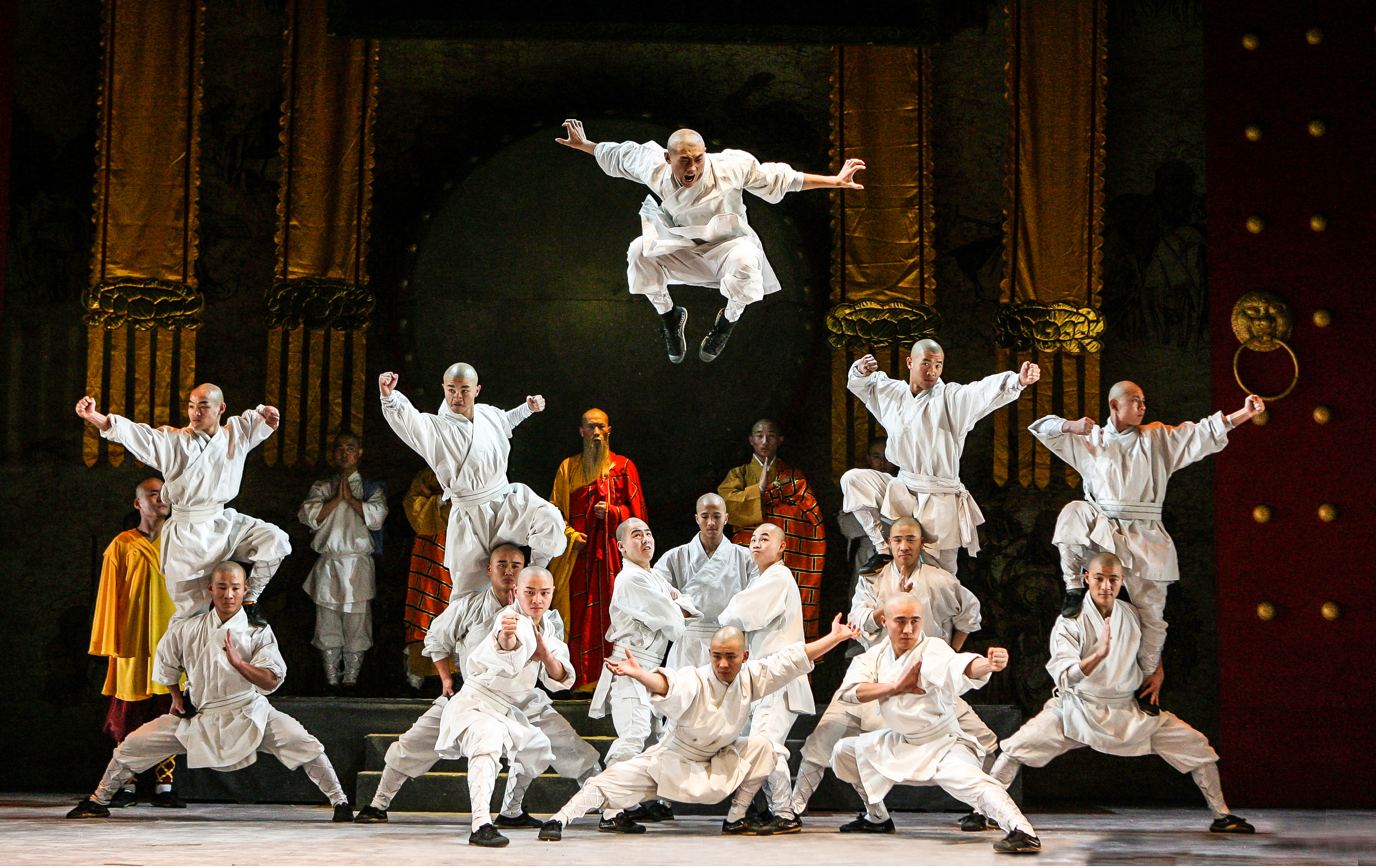 4-XShaolin005_Massive_Group_Jump.jpg-4