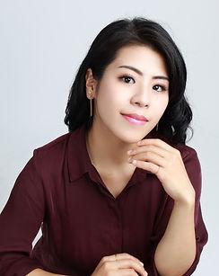 Nanako Kato headshot.jpg