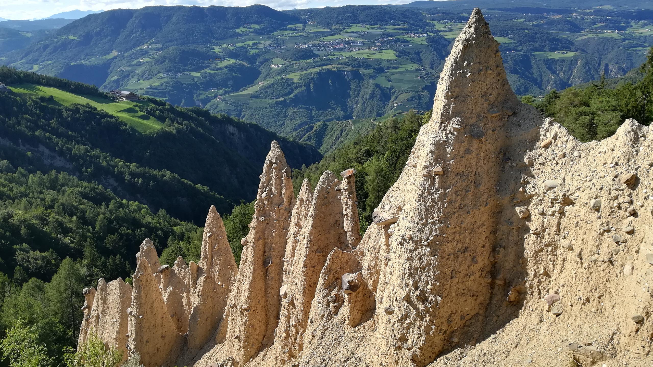 Piramidi di Terra San Genesio - Val dìEga