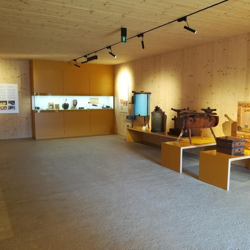 Il mondo delle api al museo degli usi e costumi di Teodone