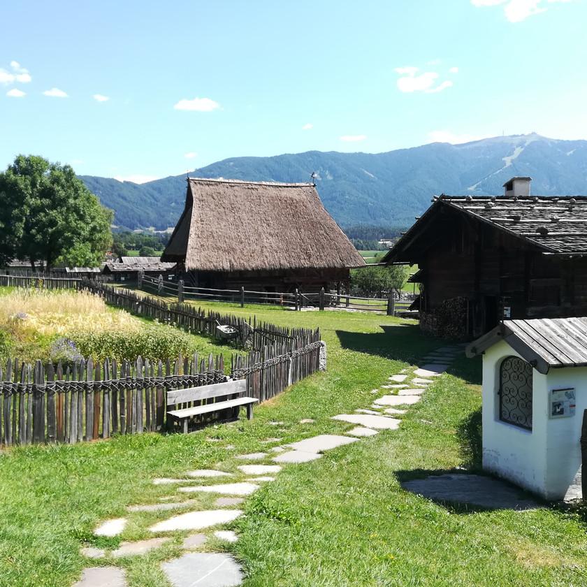 Area esterna museo degli usi e costumi di Teodone
