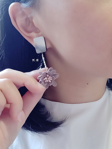 Sparkle Floral Earrings