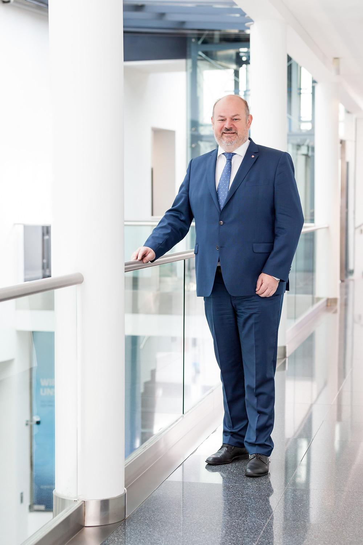 Hansjörg Henneis, Vorstand der Kremser Bank