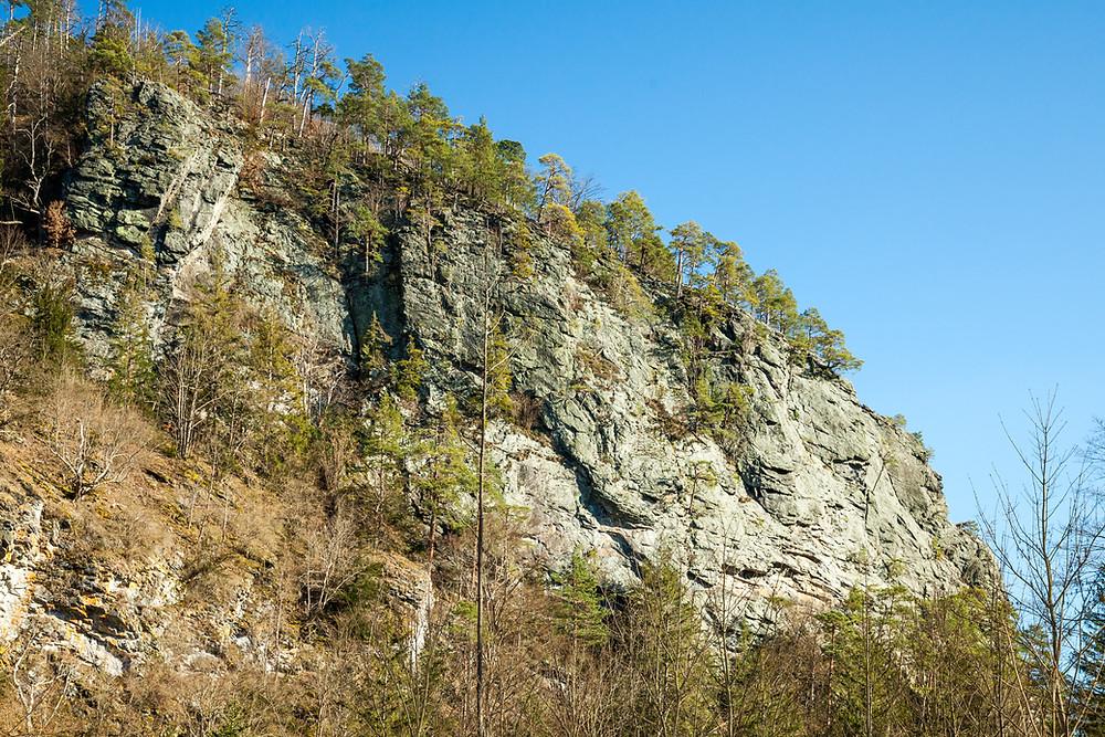 Wotansfelsen, Burg Hartenstein, Gudenushöhle, Kremstal, Kleine Krems, Waldviertel, südliches Waldviertel, Niederösterreich, wandern, Wanderung, Wanderurlaub, Wanderreise, Rundwanderung, Österreich,