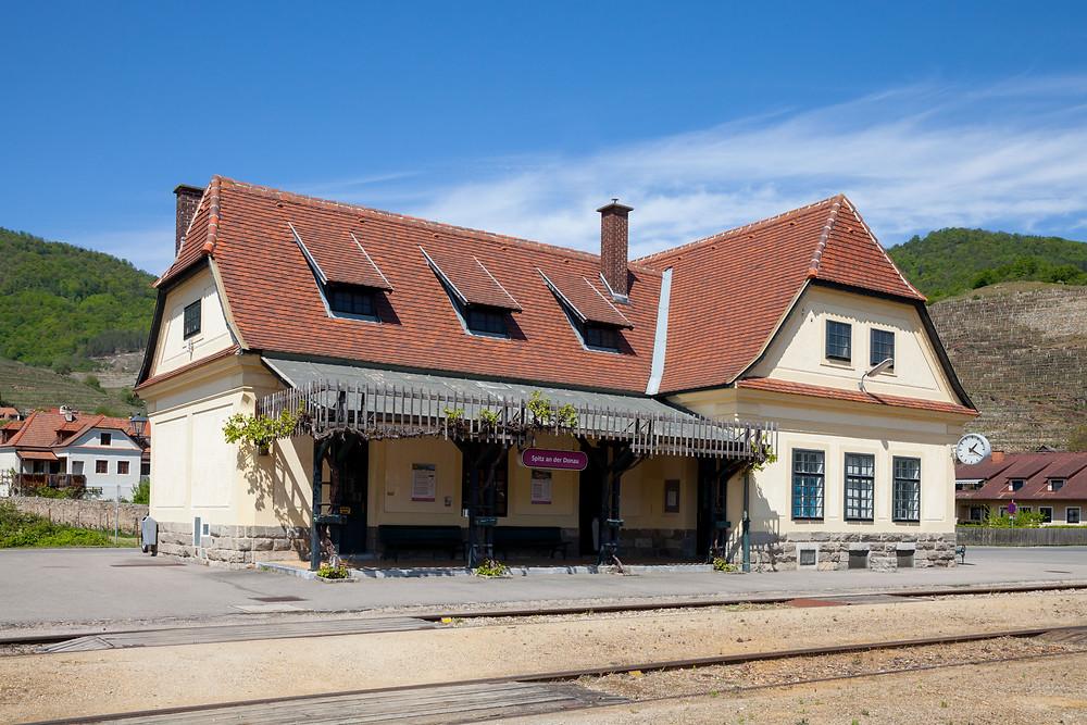 Bahnhof, Spitz an der Donau, Wachau, Wachaubahn, Niederösterreich, Wandern, Ausflug, Wandertipp