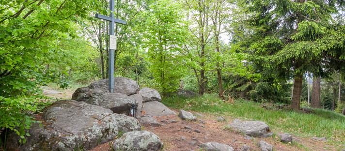 Wandern Lauterbach - Dunkelstein - Musterkreuz im Dunkelsteinerwald