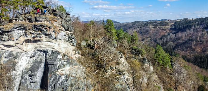 Wandern Waldviertel: von Burg Hartenstein über die Gudenushöhle zum Wotansfelsen in Niederösterreich