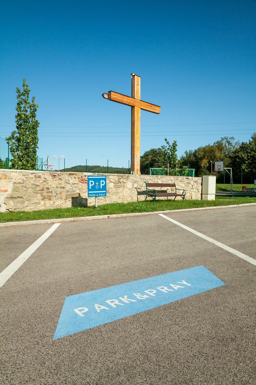 Stift Heiligenkreuz, Via Sacra, Kreuz, Wienerwald, Wandern, Wanderung, Parkplatz