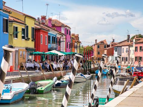 Italien - Venedig: die bunten Häuser der Insel Burano