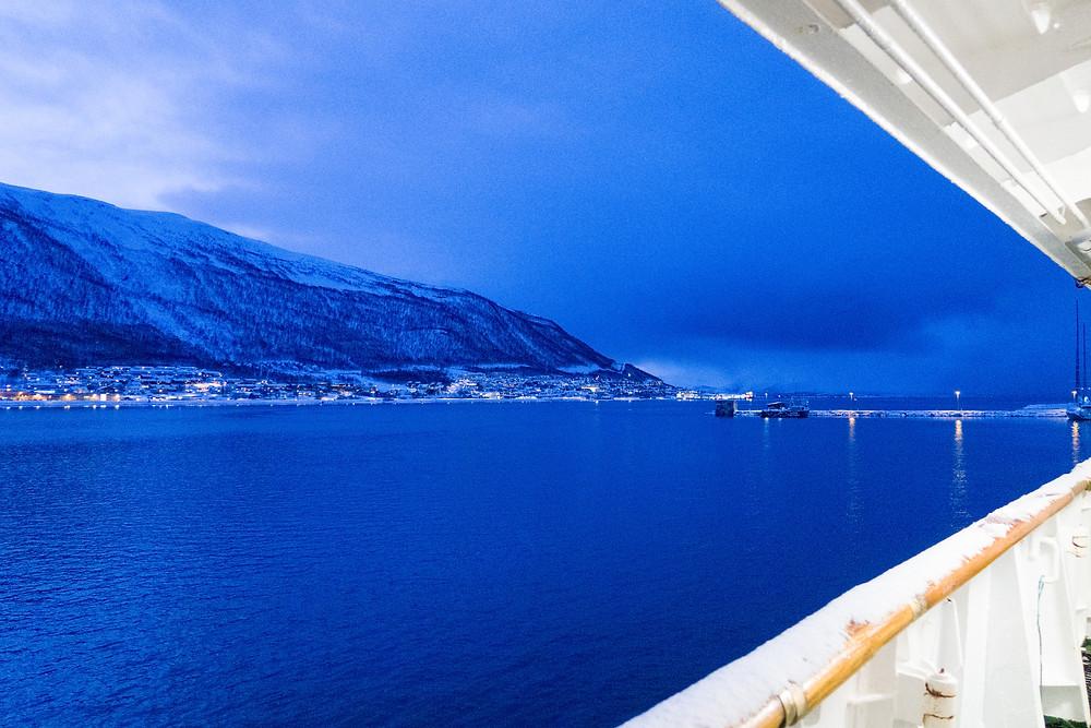 Ausblick von der MS Lofoten von Hurtigruten in Tromsö