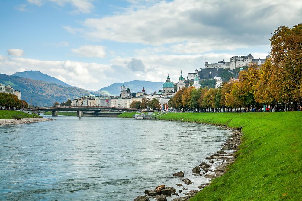 Salzburg, Salzburg Altstadt, Mozartstadt, Kurzurlaub, Stadtwandern, Stadtwanderung, Besichtigung, Sightseeing, Kulturrundgang, Sehenswürdigkeiten, Spaziergang, Salzach, Festung Hohensalzburg, Altstadt