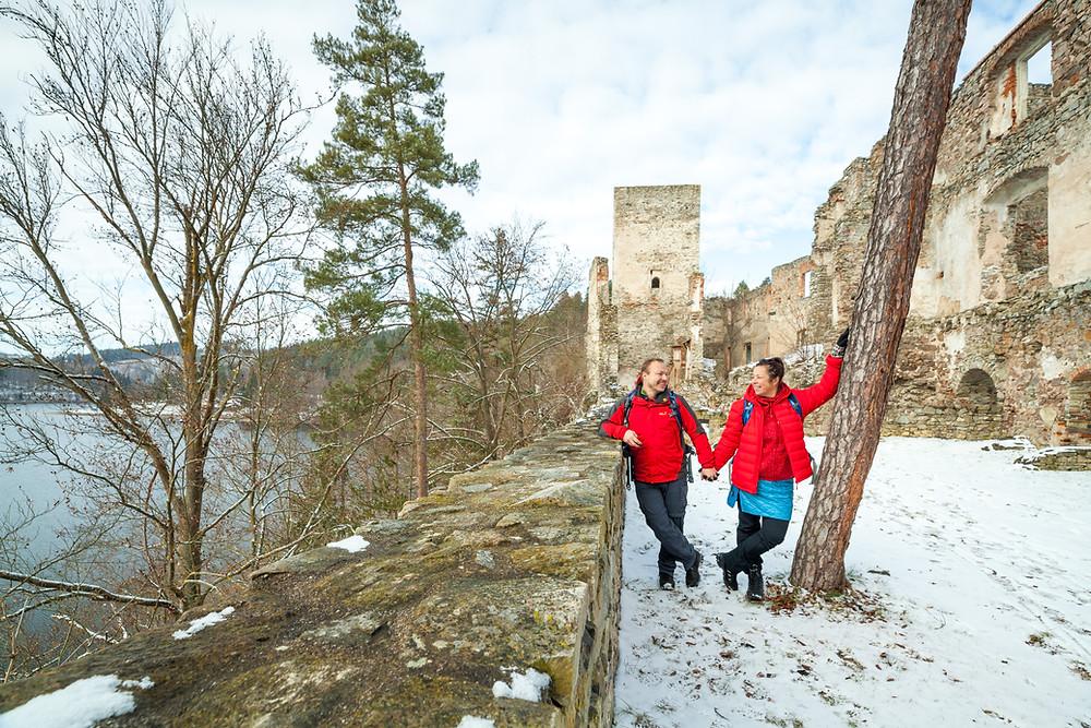 Ruine Dobra, Ruine, Dobra, Kamp, Kamptal, Dobra Stausee, die reisereporter, sonja lechner, gerald lechner, Wandern, Wanderung, Niederösterreich, Wanderreise, Wanderurlaub, Winterwanderung, Winterwandern