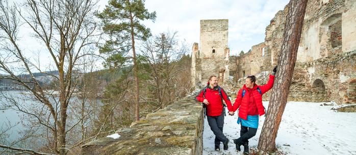 Wandern Waldviertel: von Schloss Waldreichs zur Ruine Dobra in Niederösterreich
