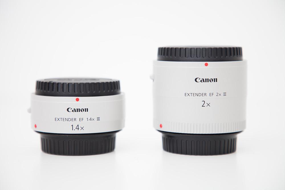 Canon Extender EF 1.4x III und Canon Extender EF 2x III im Größenvergleich