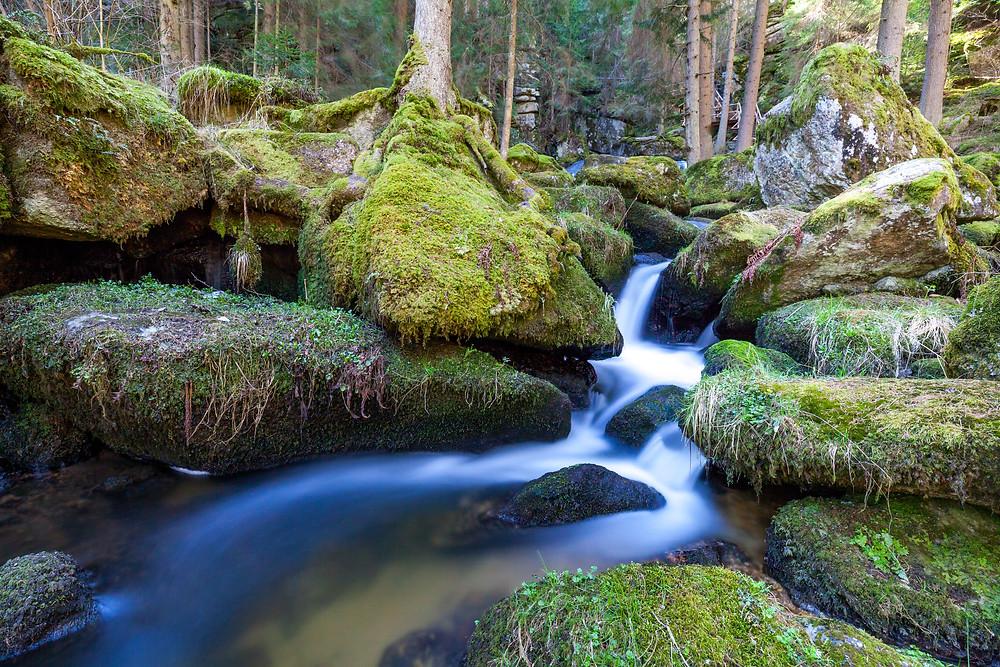 Lohnbachfall, Wasserfall, Wildwasser, Bach, Moos, Felsen, Granit, Waldviertel, Niederösterreich, Wandern, Wanderung