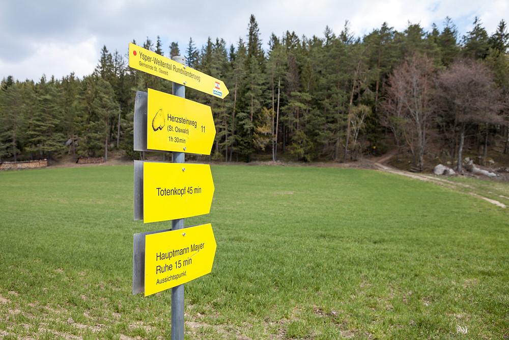 Wanderroute, Wanderweg, Wegweiser, Herzstein, Waldviertel, Niederösterreich