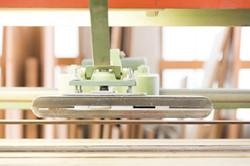 Schleifmaschine in einer Tischlerei