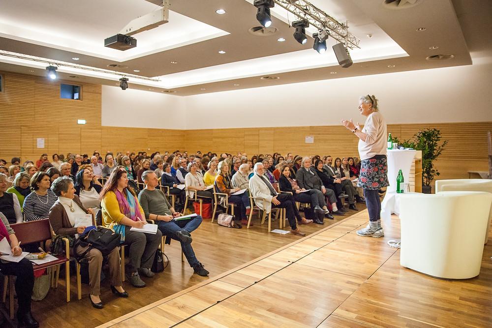 Brigitte Lämmle bei dem Lebens und Sozialberatung Kongress 2020 im Wifi