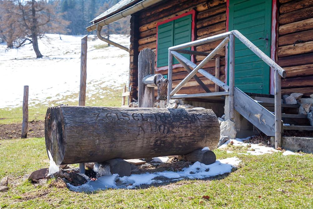 Hinteralm-Hütte, Reisalpe, Almhütte, Alm. Hinteralm, Kleinzeller Hinteralm, Gutensteiner Alpen, Alpenvorland, Schindeltal, Niederösterreich, Wandern, Wanderung, Bergwandern,