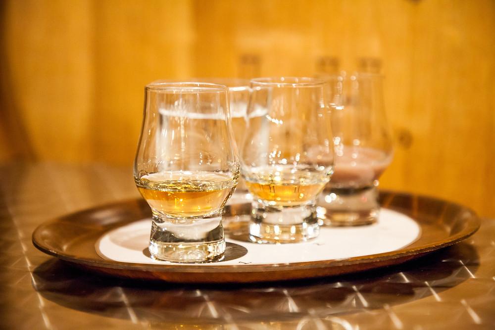 Kostprobe, Stamperl, Whisky, Whisky-Erlebniswelt, Haider, Whisky-Destillerie, Roggenreith, Österreichischer Whisky, Waldvierter Whisky