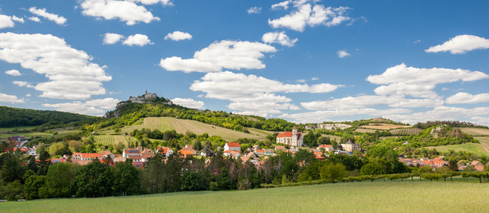 Wandern Weinviertel: Falkenstein - Ruine - Weinberge in Niederösterreich