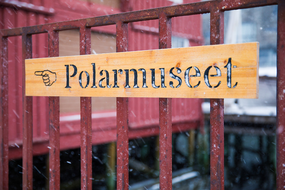 Polarmuseum im Hafen von Tromsö im Winter Außenansicht