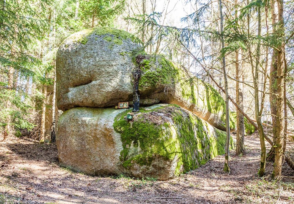 Marterl, Marienandacht, Andacht, Waldheiligtum, Heiligenverehrung, Felsen, Granit, Steinformation, Waldviertel, Niederösterreich, Wandern, Wanderung