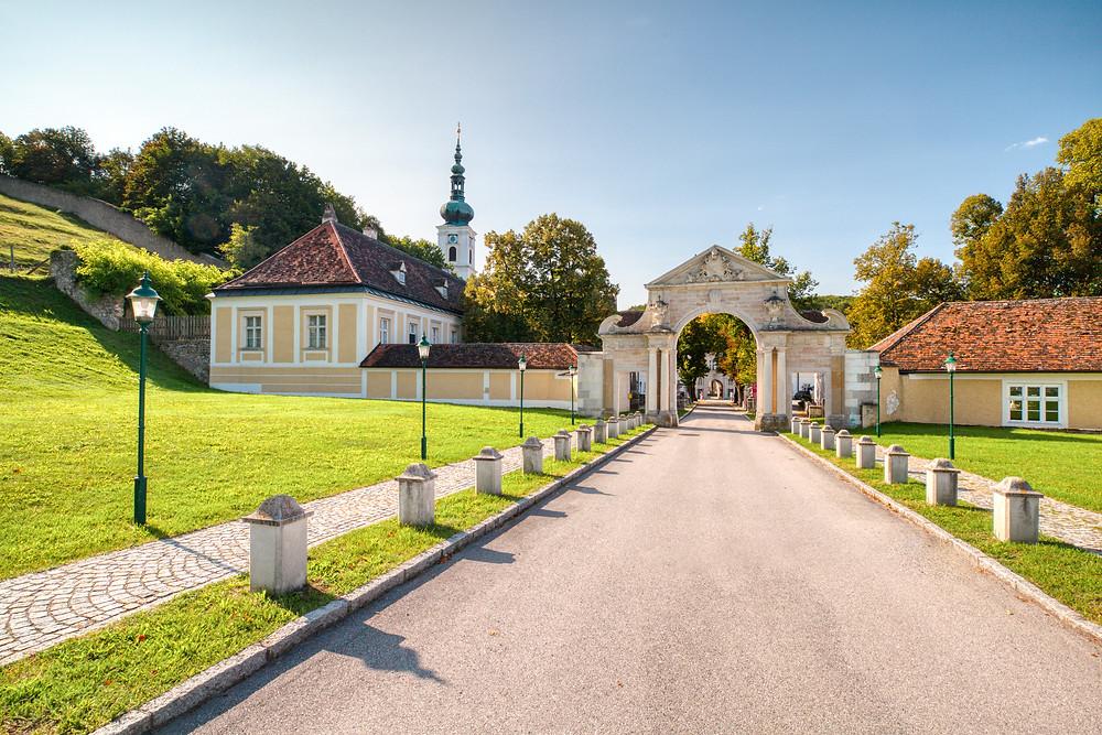 Stift Heiligenkreuz, Heiligenkreuz, Wienerwald, Via Sacra, Pilgerweg, Pilgern, Wandern, Wanderung, Kloster