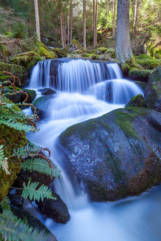 Lohnbachfall, Wasserfall, Waldviertel, Niederösterreich, Granit, Bach, Moos, Felsen, Steine, Wandern, Wanderung,