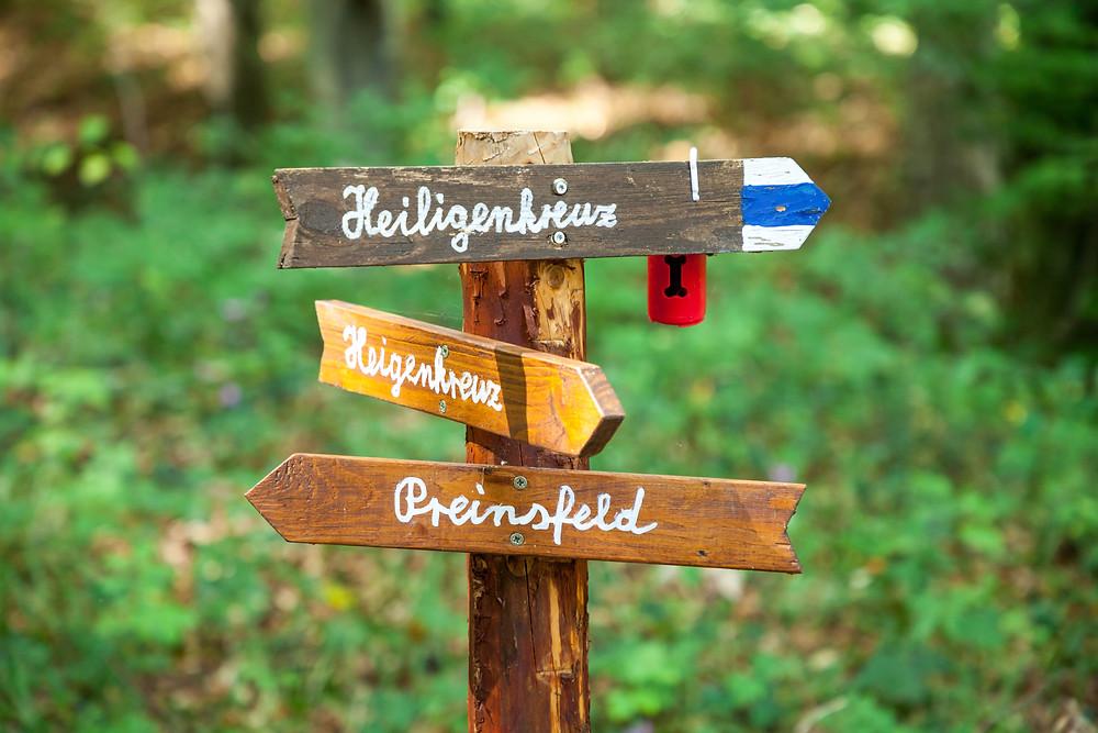 Wegweiser, Wandern, Wanderung, Heiligenkreuz, Wienerwald