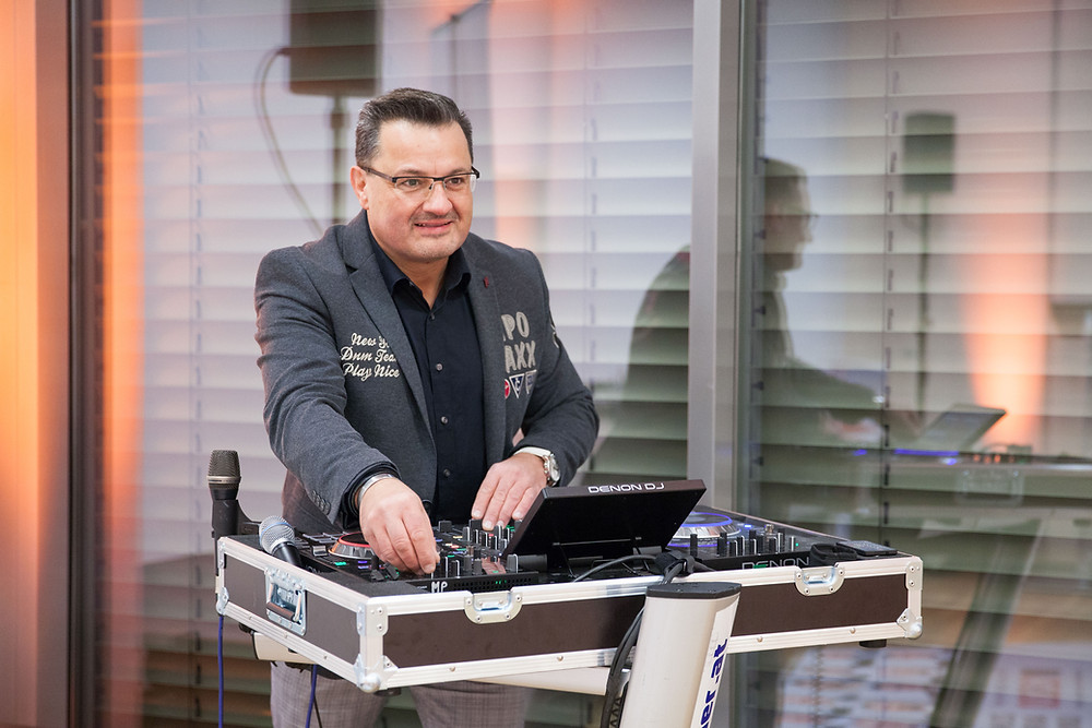 DJ Rainer am Mischpult
