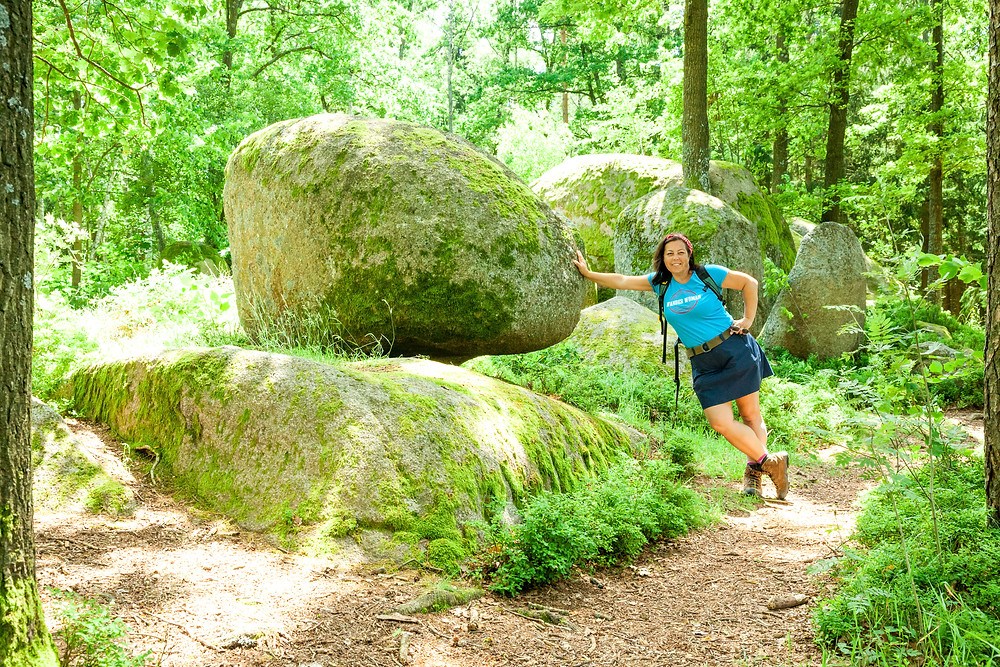 Sonja Lechner, die reisereporter, Pilzstein, Blockheide, Wackelsteine, Granit, Felsformationen, Gmünd, Waldviertel, Niederösterreich, Wandern, Wanderung, Ausflug, Naturpark, Naturdenkmal , Wanderer, Wanderin