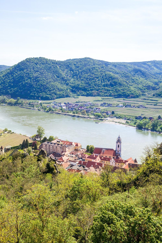Stift Dürnstein, Kirche, Wahrzeichen, Dürnstein, Wachau, Niederösterreich, Donau, Donautal, Wandern, Ausflug, Wandertipp