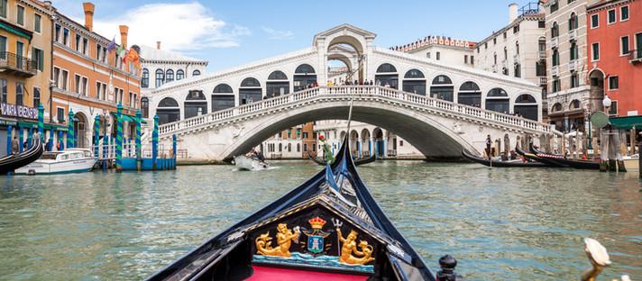 Italien - Venedig: romantisch mit der Gondel durch die Kanäle. Ja oder nein?