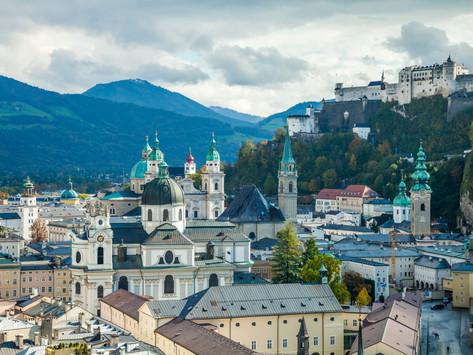 Städtereise Salzburg: Altstadtrunde mit Festung und Mönchsberg in Österreich