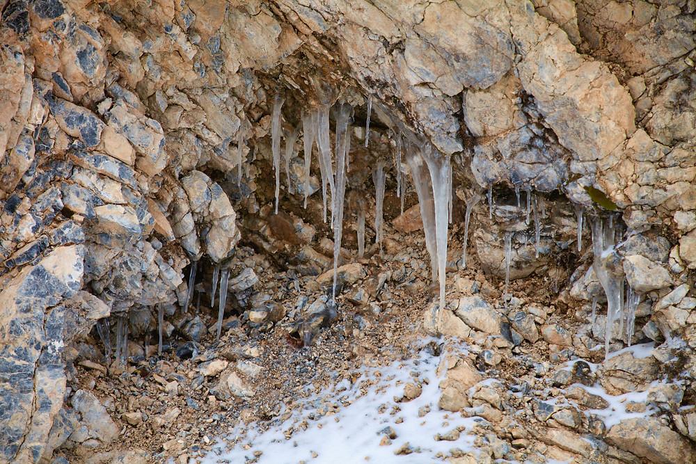 Eiszapfen, Tirolerkogel, Annaberghaus, Alpen, Wanderung, Wandern, Wanderweg, Winterwandaerung, Winterwandern, Schnee, Winterwald