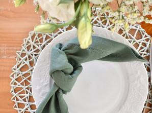 Mesa nas cores Verde e Branco