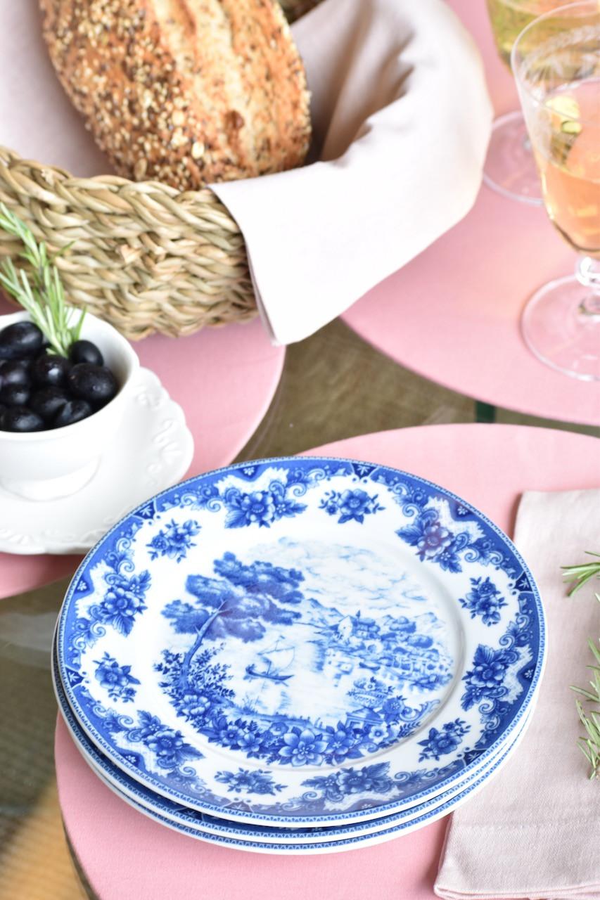 Prato de Sobremesa de Porcelana Azul e Branco