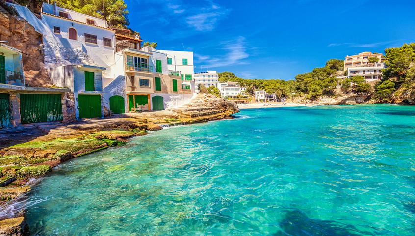 Villas in Majorca near beach