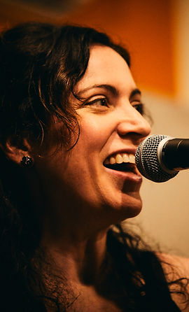 Anne DeAcetis, lead singer of Bell Helium. Photo by Kohl Sudduth.