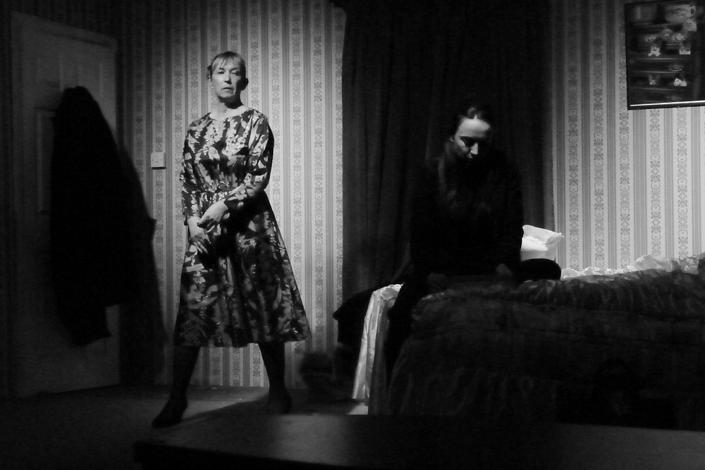 Leone Hartnell plays mother, Vi, to Mary (Lis Parham).