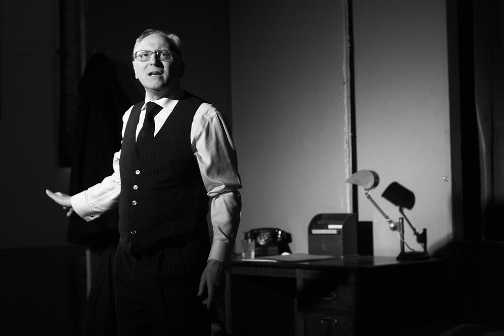 Stephen Atkins plays the lawyer, Alfieri, in Arthur Miller's A view from the Bridge which the Players performed in 2016.