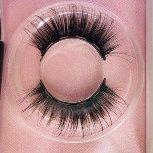 Chelsey Smith Cosmetics Shook Magnetic Lash