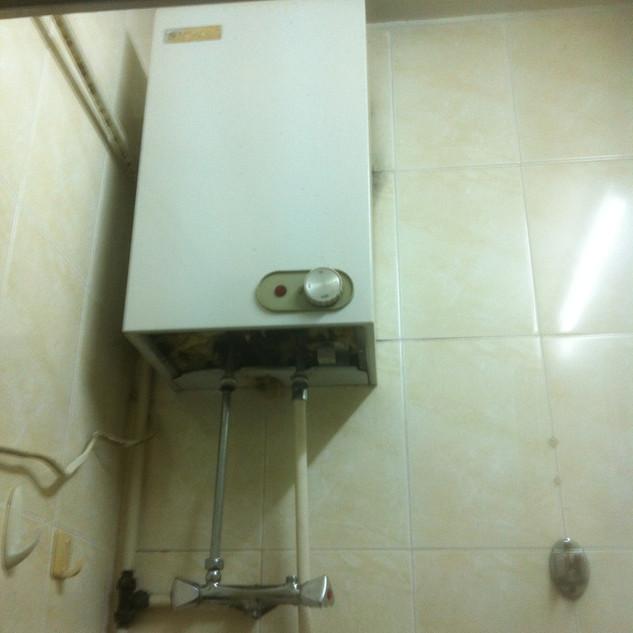 更換儲水式電熱水爐