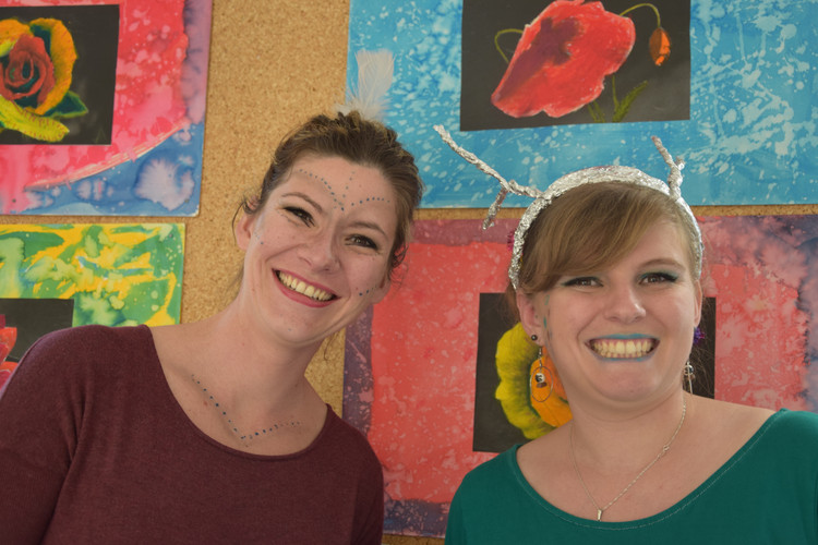 Mathilde et Sandrine.JPG