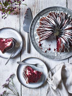 Red velvet bundt cheesecake